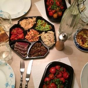 Analogt overskud er, når ens Moster Glatnakke kommer forbi med aftensmad og hjemmelavede frikadeller til fryseren (stegt i andefedt!).